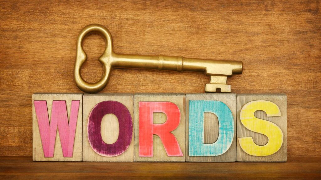 How to find low competition keywords, How to start blogging in micro niche